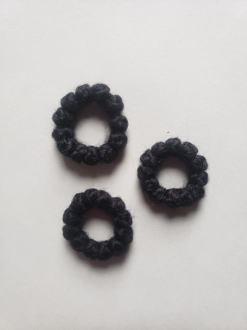 10 knot woolen prayer rope