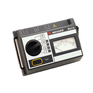 Megger 6410-920 5kV Analog Insulation Tester, Hand-Cranked and Battery Powered