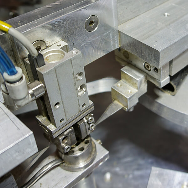 automated preroll machine blade