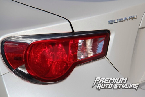 Angle shows top and bottom portion of tail light. Please note: Image shown here without smoke inserts.