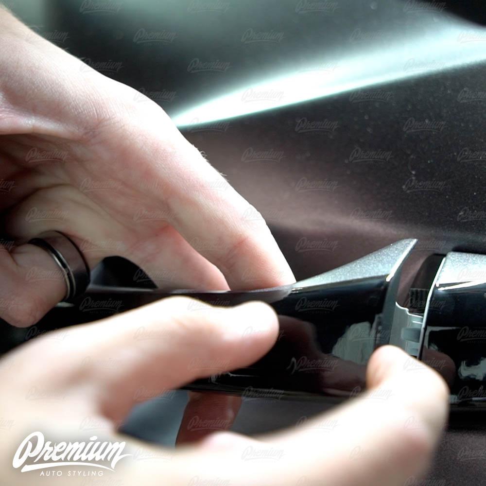 lmaborghini-urus-door-handle-overlay-gloss-black-protective-vinyl-product-installation-part9.jpg