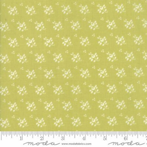 WHITE LEAF AND STEM FLORAL DESIGN ON LIGHT MEADOW GREEN FABRIC - 20327-17