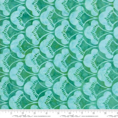 PALM GREEN WITH LIGHT GREEN 'PALM' SCALLOPED FAN PRINT BATIK FABRIC - 27258-50
