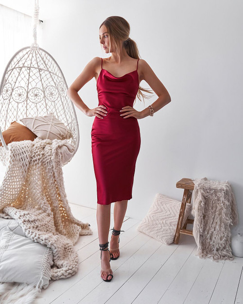 Aspen Midi Dress - Deep Red, Lady Black Tie