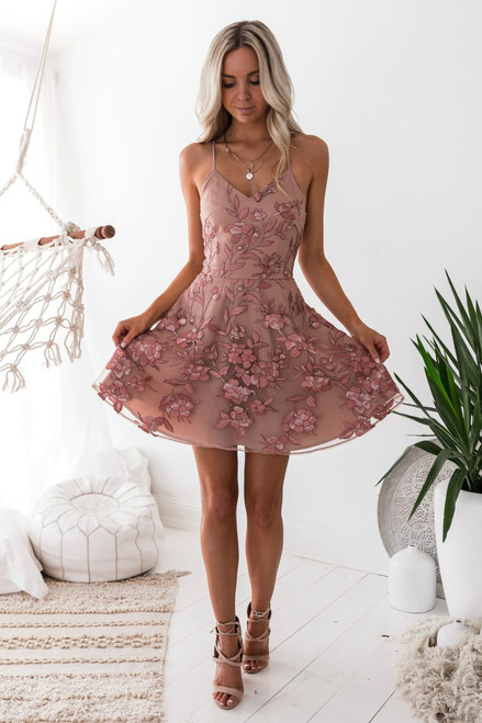 The Sassy Dress - Embroidery Rose