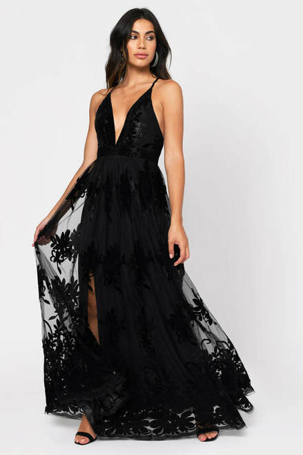Promenade Maxi Dress in Black - Lady Black Tie