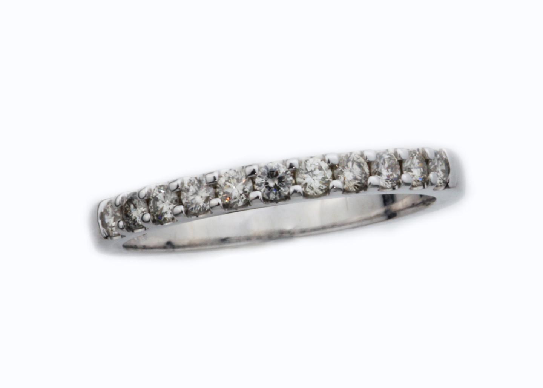 14 Karat White Gold .33 ctw Diamond Shared Prong Band