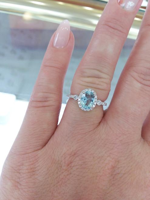 14K White Gold Oval Aquamarine & Diamond Halo Ring 0.30 DTW