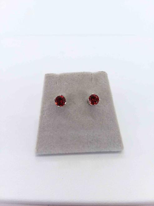 14K White Gold  4mm Garnet Stud Earrings