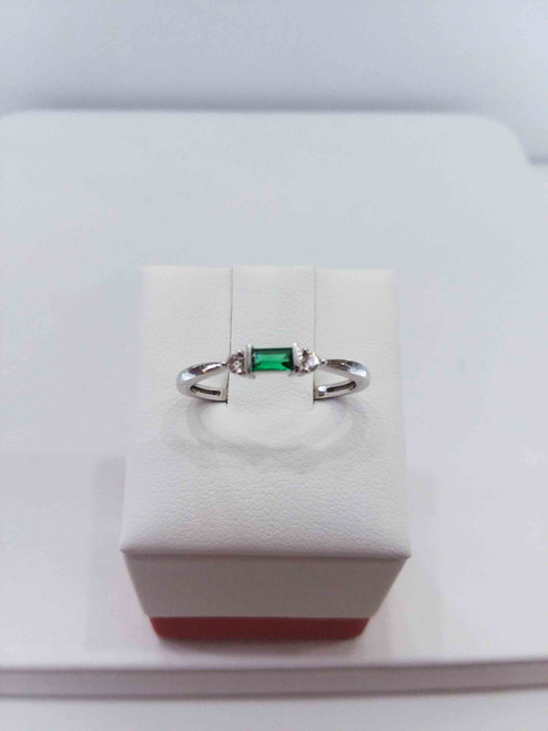 10K White Gold Syn. Emerald Stack Ring 0.04 DTW