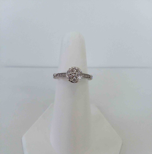 14K White Gold Round Cluster Engagement Ring 0.43 DTW