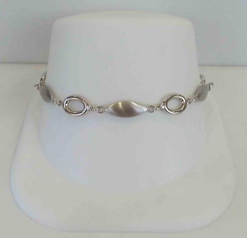 14K White Gold Satin & HP Oval Link Bracelet
