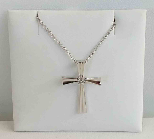 10K White Gold Cross Pendant w/1 Round Diamond in Center 0.04 DTW