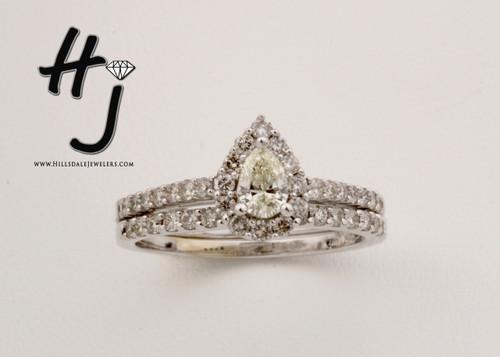 14 Karat White Gold 1.00 dtw Pear Halo  Diamond Wedding Set (.38 Pear Major)
