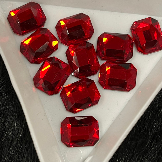 14 mm  Redsquare rectangle shape rhinestones 10 pk