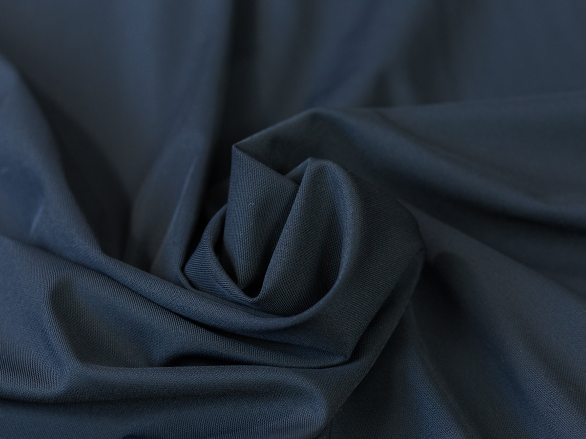 """Black Weight Powernet 60"""" wide 220gsm"""