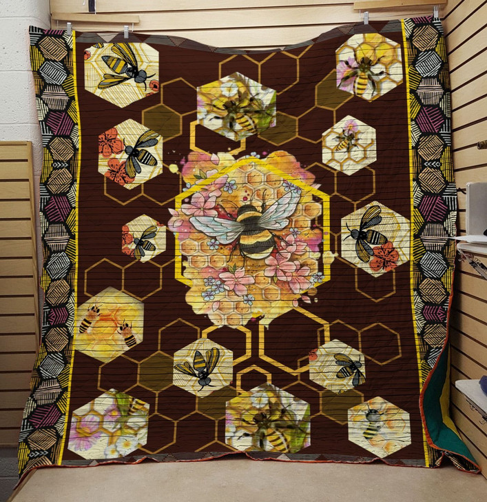 Bee Quilt On Sale!