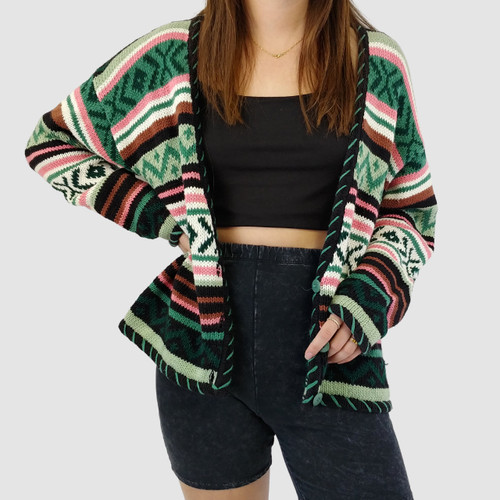 SO CUTE ~ VINTAGE 90S PATTERNED KNIT CARDIGAN