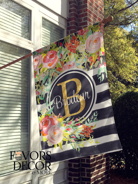 Personalized House Flag with Floral Bouquet