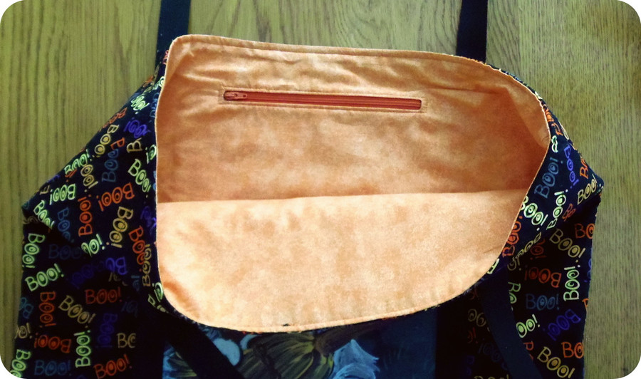 """Handmade quilted Purse/Tote      """"Not to Wicked Witch""""      Saint Bernard        By Dawn Johnson"""