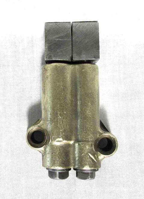UNIT CONSTRUCTION TRIUMPH 650 OIL PUMP-USED