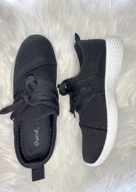 Pamier Tennis Shoe