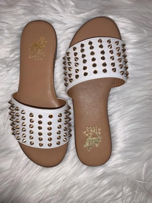 Flirtini White Slip On Sandals w/ Gold Studs