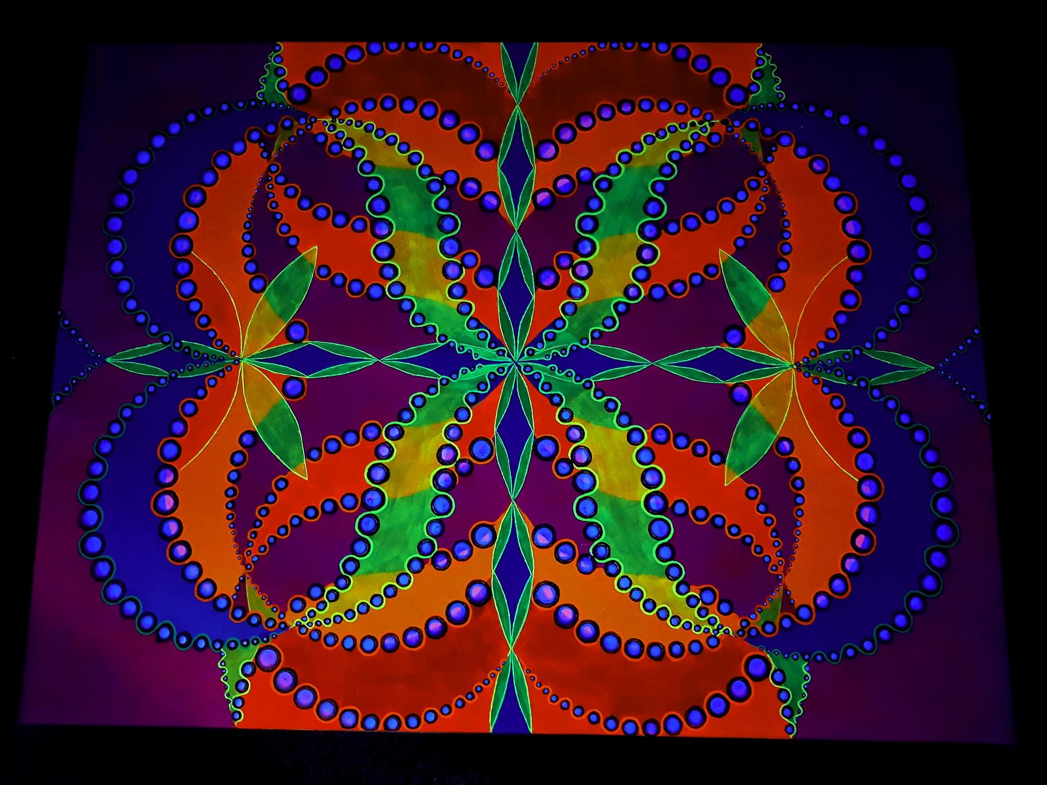 glowing-art-using-uv-glow-paint.jpg