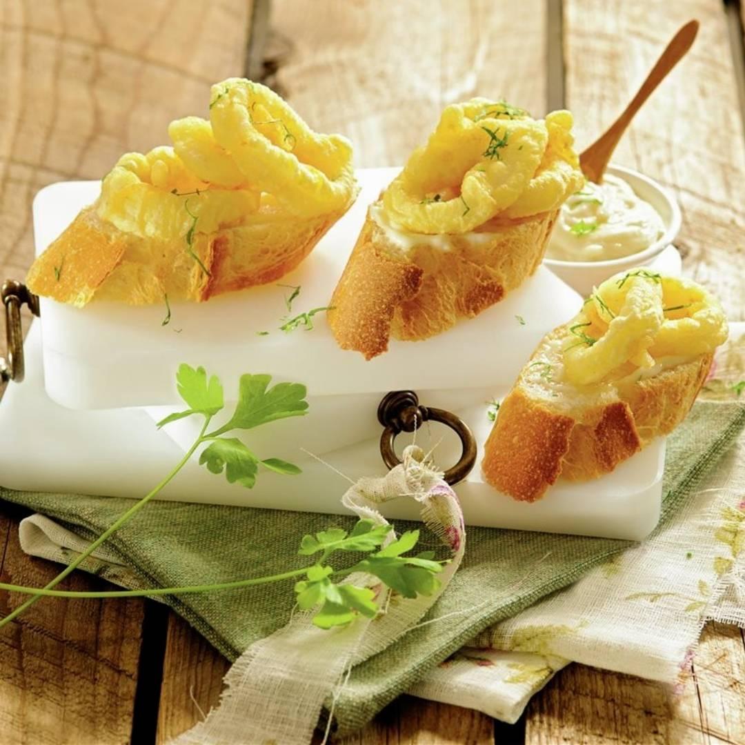 Squid montaditos with aioli