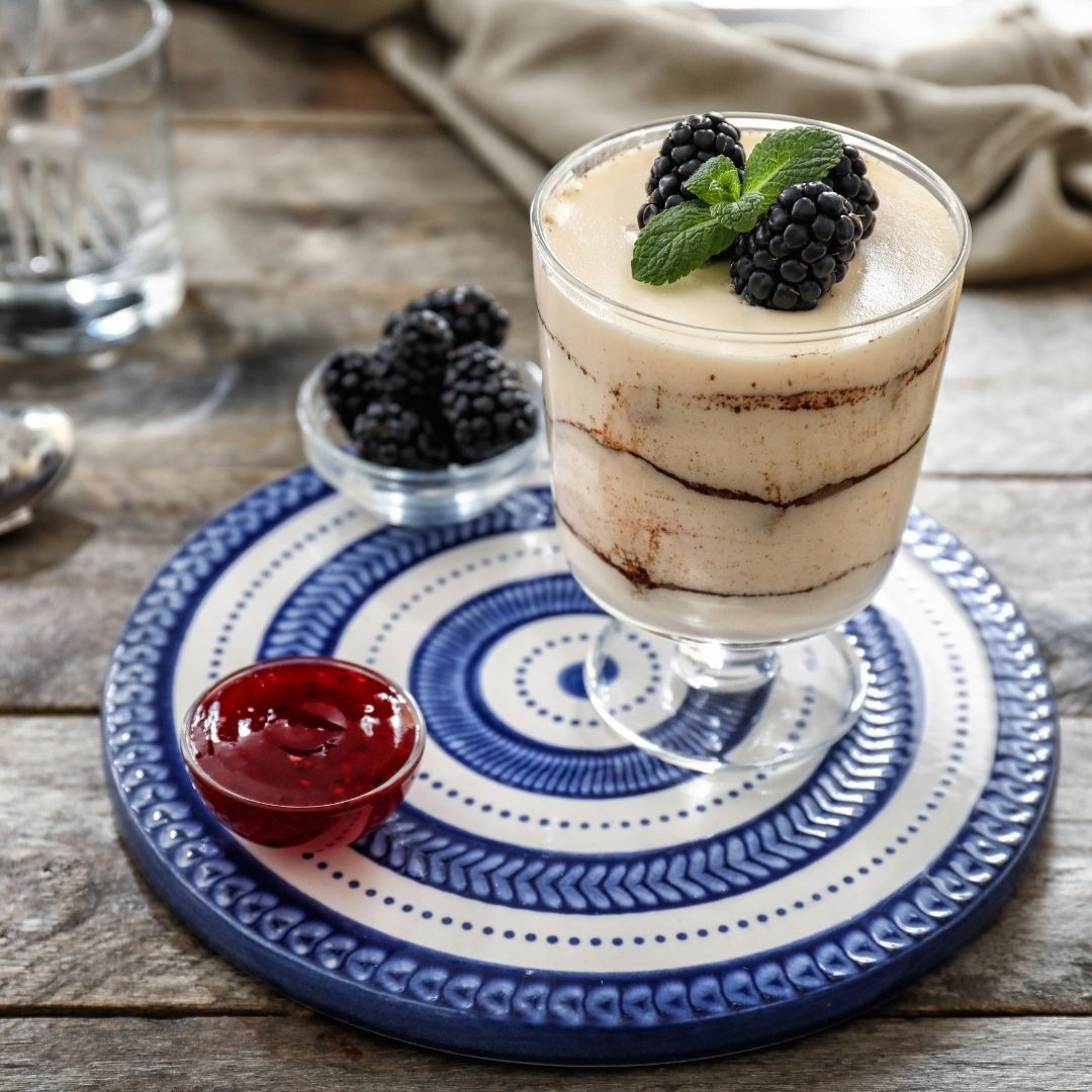 Jam tiramisu with blackberries