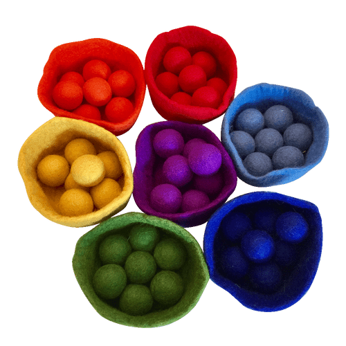 Seven bowls with each bowl containing 7 matching coloured felt balls. Sorting, counting, matching.....lots of fun Great news: Now compliant with EN71 for age 0+