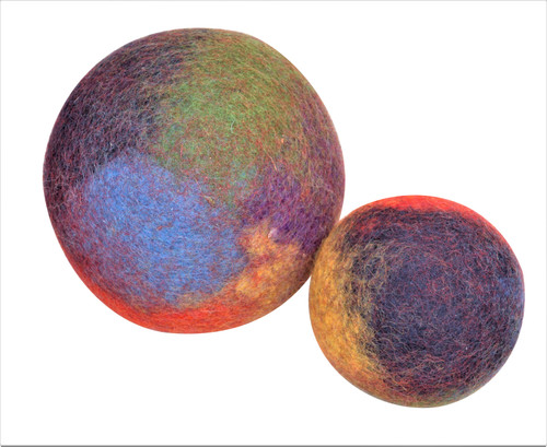 12 and 8cm rainbow coloured balls. They look a little like a world map..