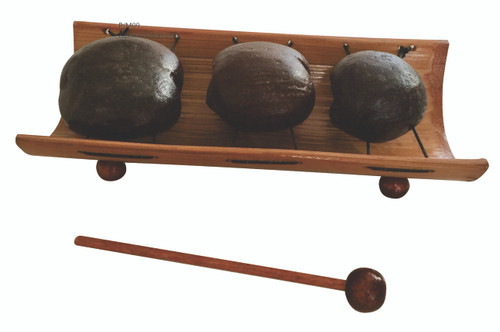 Made from all natural material this xylophone makes a great addition to our range of natural music instruments. The length is about 18cm.