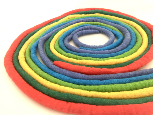 6 ropes in bright colours, each rope is 2 meters long.