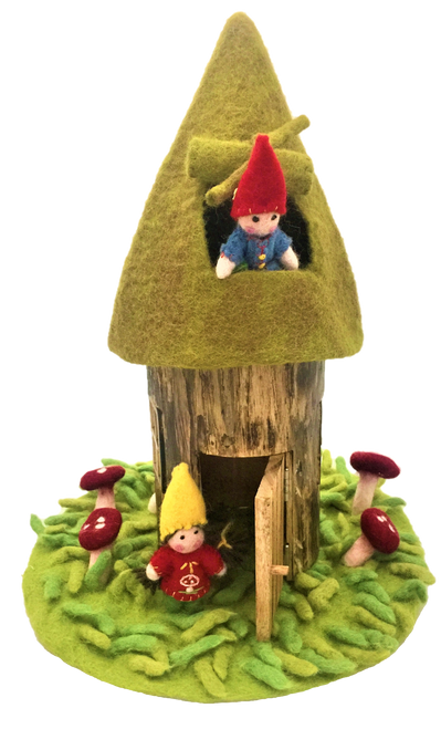 House with roof only, mat and gnomes are not included but available separately.