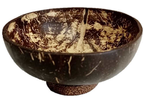 Coconut Bowls, 4 in a set. As these are natural products please note your set of 4 pieces may contain bowls of different sizes/shapes.