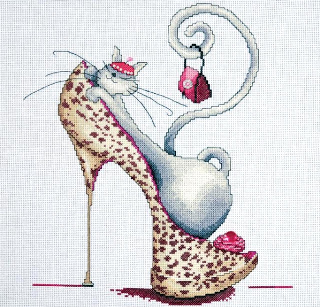 Design Works - Fashionista Cat