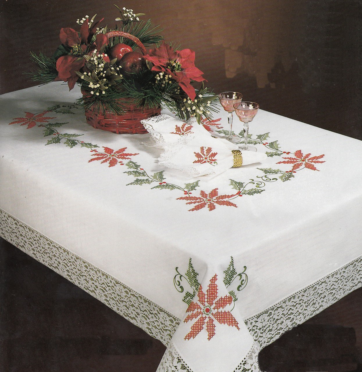 Design Works - Christmas Holly 50in x 70in Tablecloth
