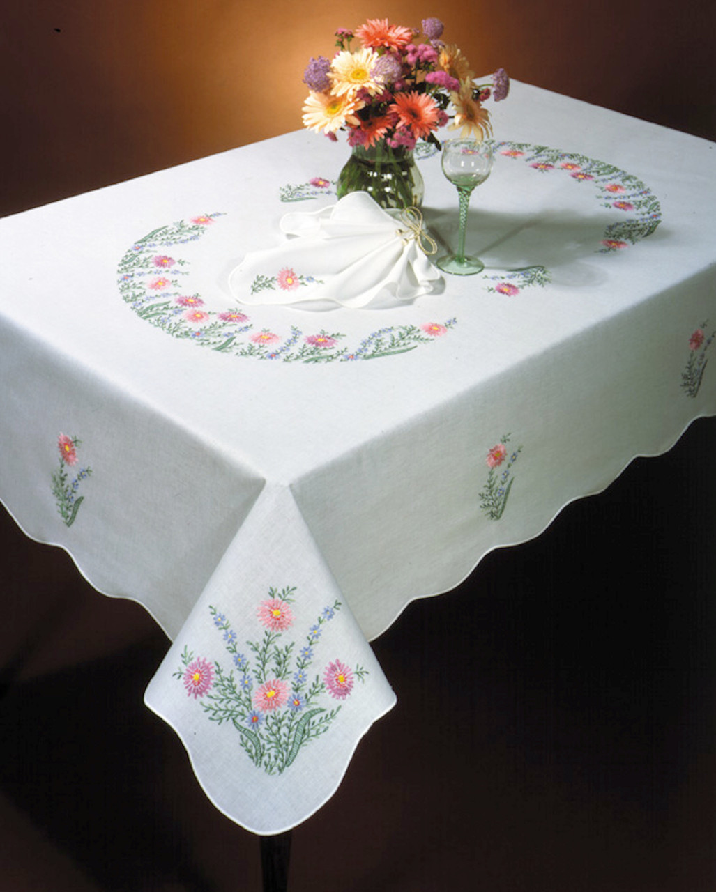 Design Works - Country Garden 50in x 70in Tablecloth
