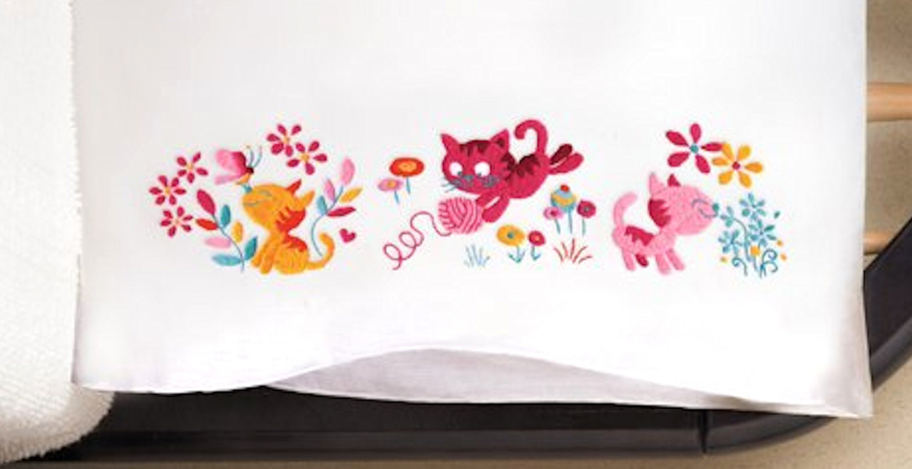 Design Works - Yarn Kittens Pillowcases (2)