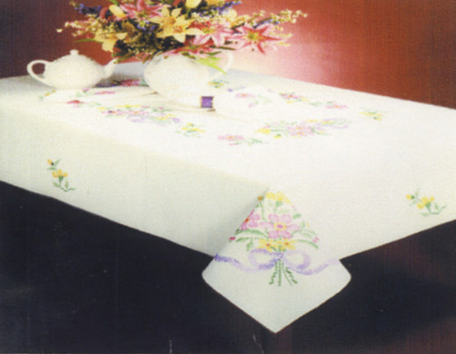 Design Works - Floral Bouquet 58in x 90in Tablecloth