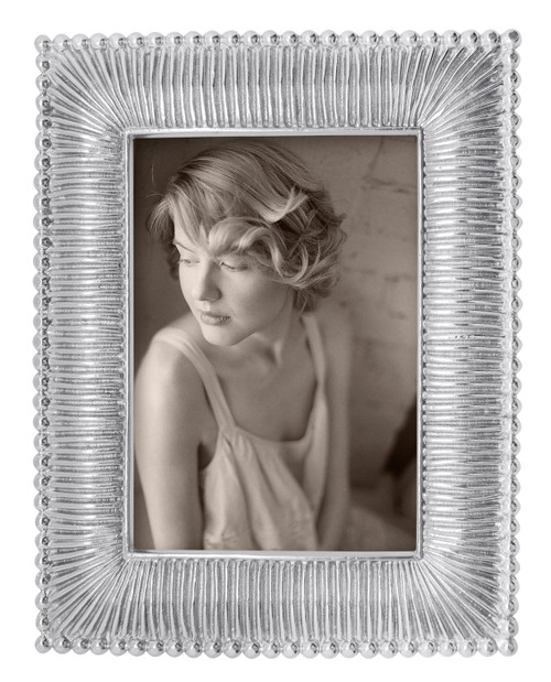 Classic 4 x 6 Fanned Frame by Mariposa