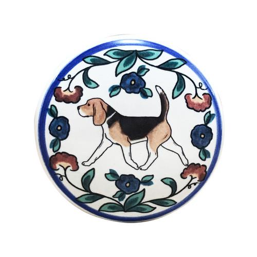 Tricolor 1 Beagle wine stopper, handmade by Shepherd's Grove Studio, CA.