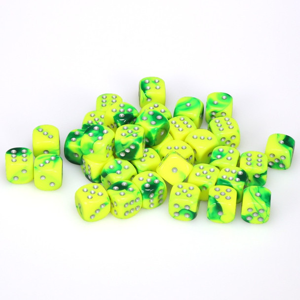 12mm Gemini Green and Yellow d6s - Set of 36