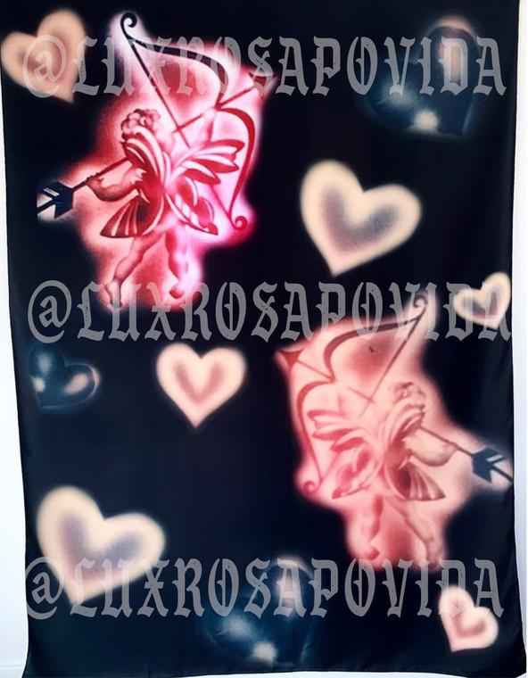 'Love Struck' Airbrushed Glamour Shot Backdrop (Black) (Extra Large)