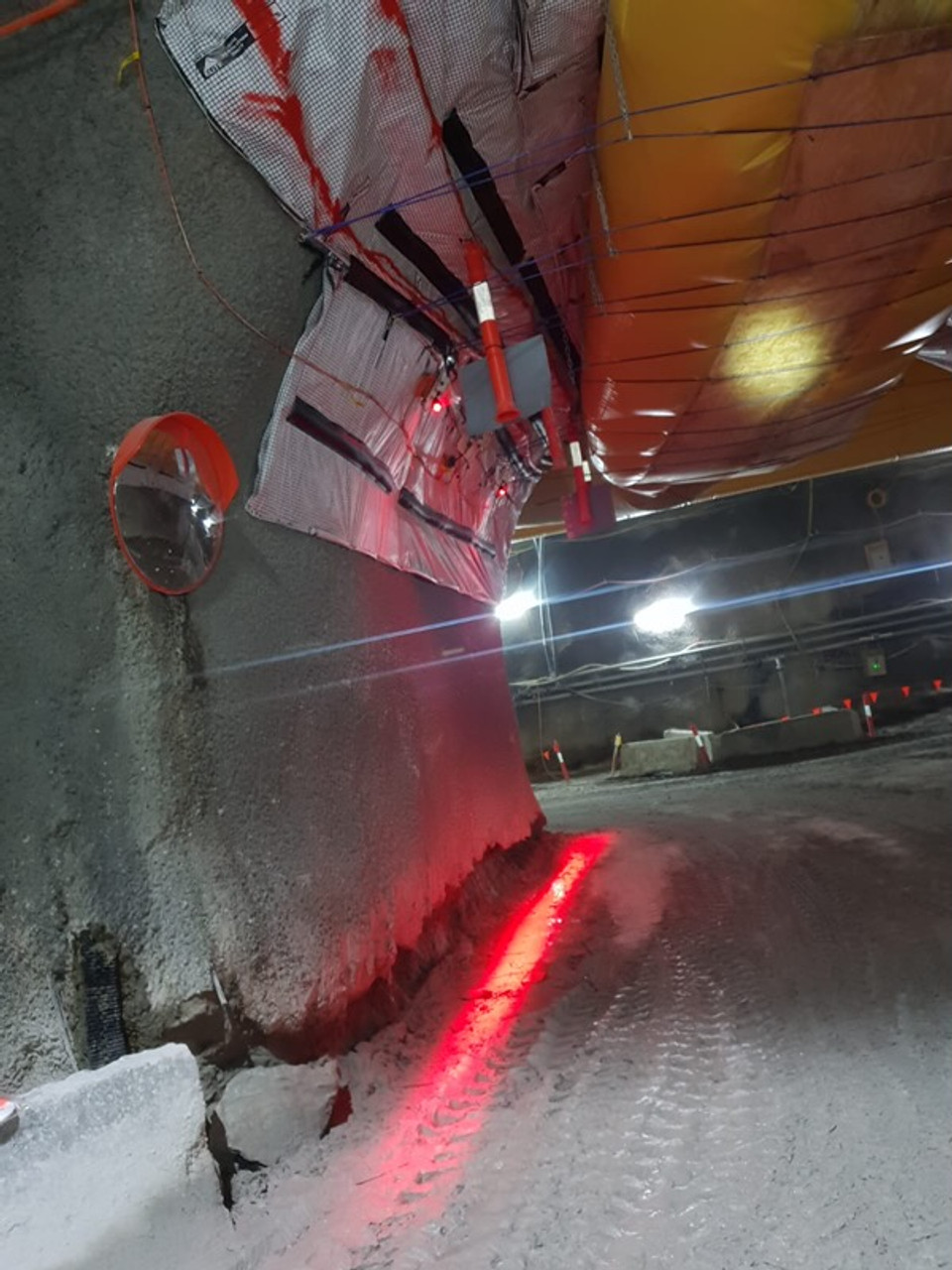 Safety Halo Lighting to create Safe Area's in Tunnel Work Construction, Mining Work ETC. Created by Ultimate LED Australia