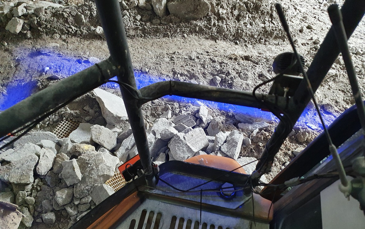 4. Blue Danger Zone Area Warning Light System. Warehouse Pedestrian Workplace Forklift. Mining Machinery, Excavation Machinery Safety Halo System. Compact Light. Blue Line Beam. SHBL-20. Series 20