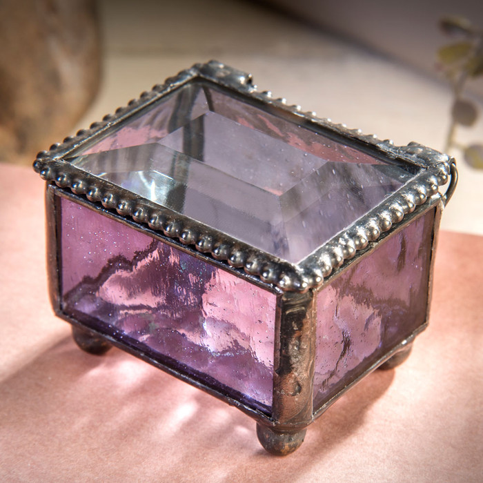 This mini glass box is made from English muffle glass featuring Salvation Jane as the color.