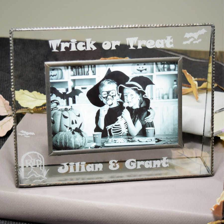 Personalized Gifts- J Devlin Glass Photo Frame - Halloween - Trick or Treat Pic 319-46H EP551