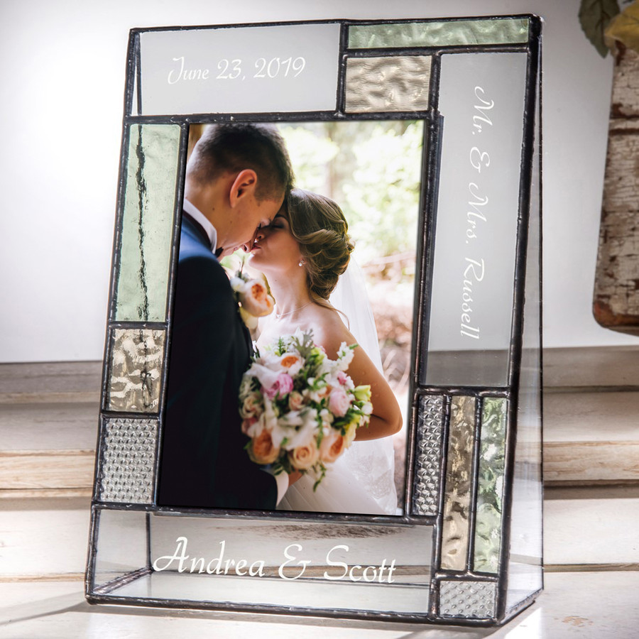 Mr & Mrs Personalized Wedding Gift 4x6 5x7 Vertical Picture Frame